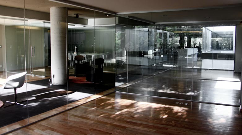 Amenagement bureau design luxe: la société rogÉ mobilier de bureau à
