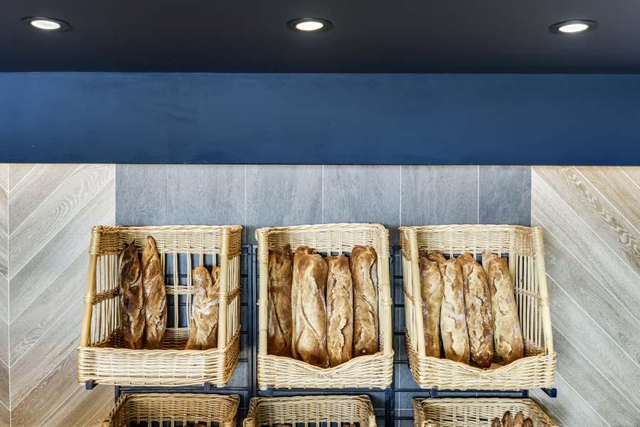 Boulangerie avec une décoration d'intérieur contemporaine