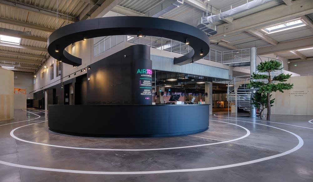 Point accueil du muliplex aménagé par un architecte d'intérieur
