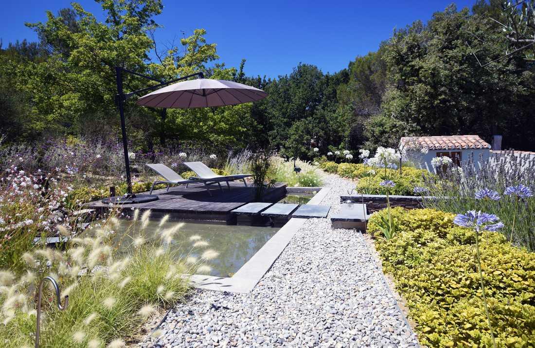 Amenagement D Un Jardin Mediterranneen Avec Piscine