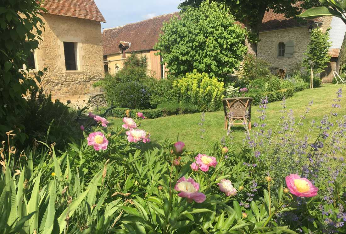 Garden Of A 16th Century House