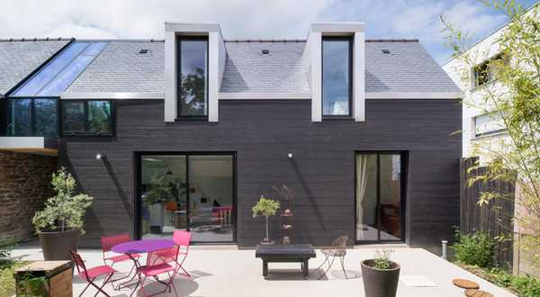 Contemporary terraced house